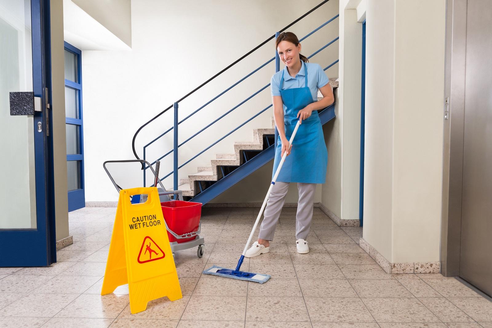 Jak utrzymać klatkę schodową w czystości?